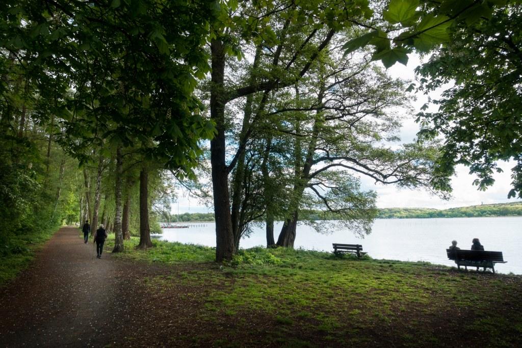 Dr. Kleusberg Promenade - Uferweg