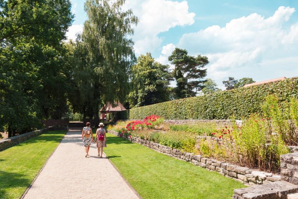 Spaziergang im Landhausgarten Dr. Max Fraenkel