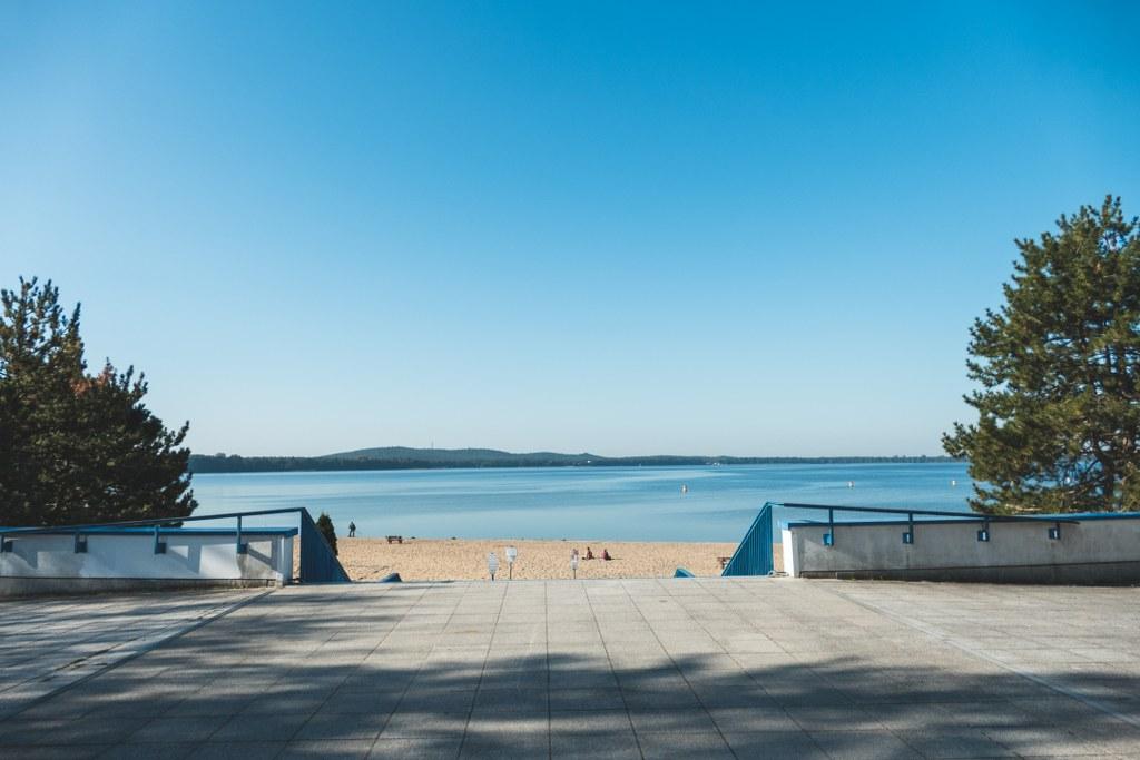 Strandbad Müggelsee - Am Eingangsbereich mit Blick auf den Strand